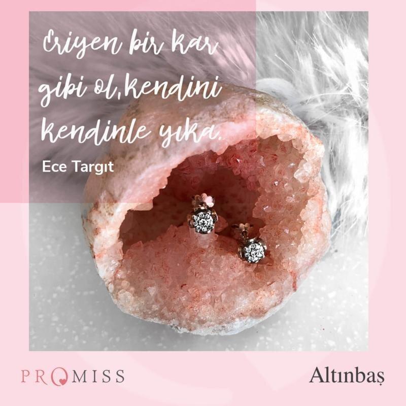 0.28 Karat Pırlanta Promiss Küpe