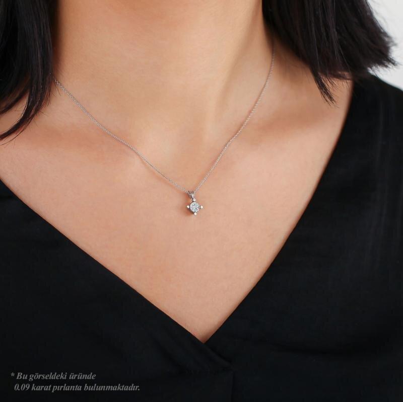 Bouquet Solitaire Diamond Necklace