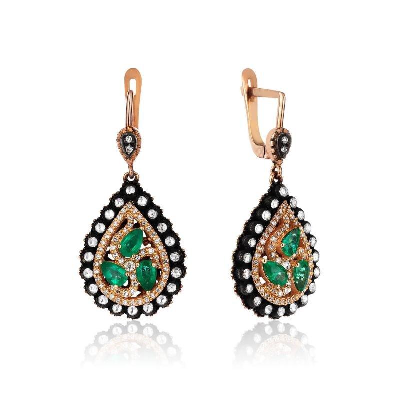 0.90 Carat Emerald Diamond Earrings