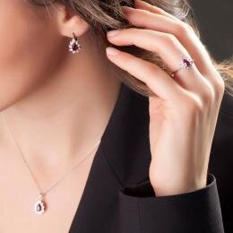 0.03 Carat Ruby Diamond Ring