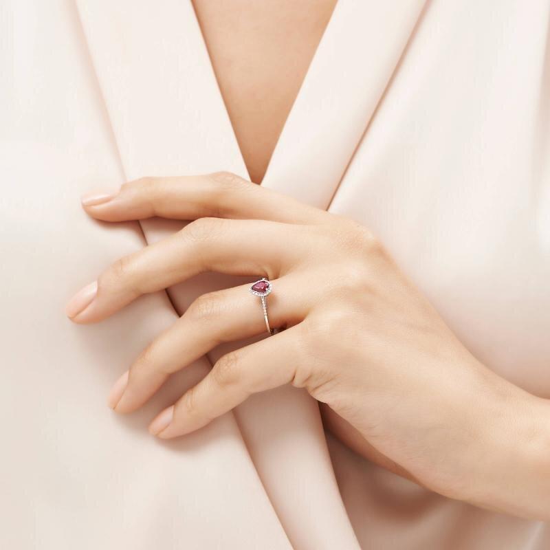 0.09 Carat Ruby Diamond Ring